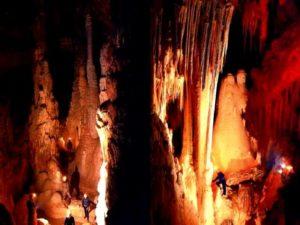 Pestera-Piatra-Altarului-630x472